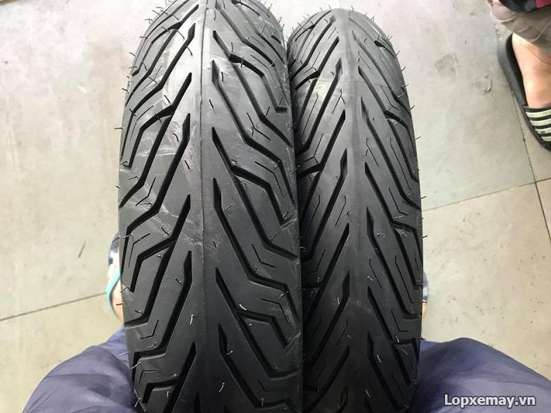 Thay lốp xe máy michelin cho sh300i tốt không giá lốp xe sh300i - 2