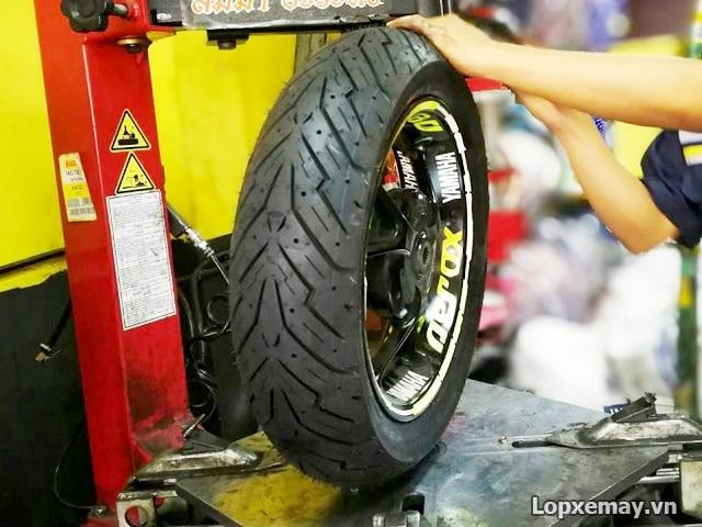 Lốp xe máy pirelli 11080-14 angle scooter cho vario nvx pcx 2019 - 1