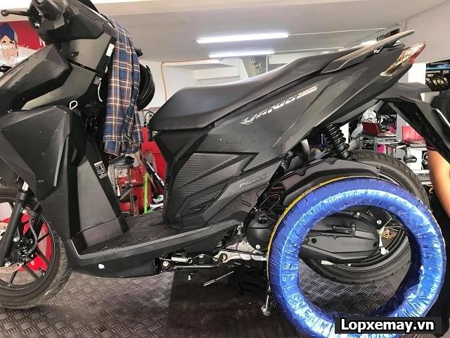 Honda vario thay vỏ michelin pilot street 9090-14 cho bánh sau - 1