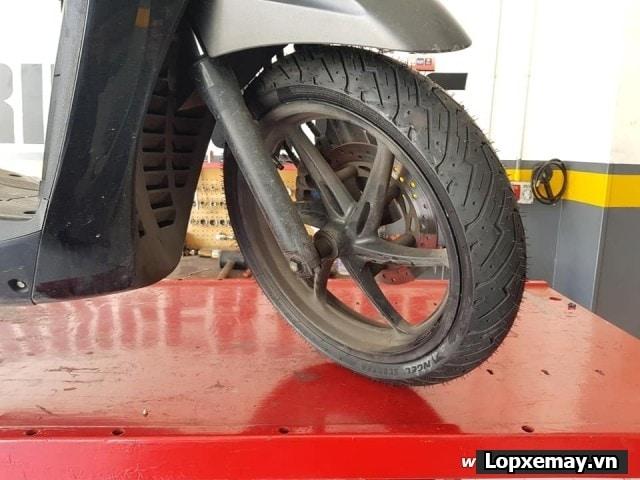 Lốp xe máy pirelli 11070-16 angel scooter cho bánh trước xe sh300i - 1
