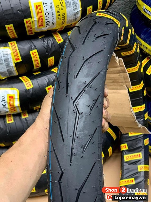 Lốp pirelli 7090-14 diablo rosso sport cho air blade click - 1