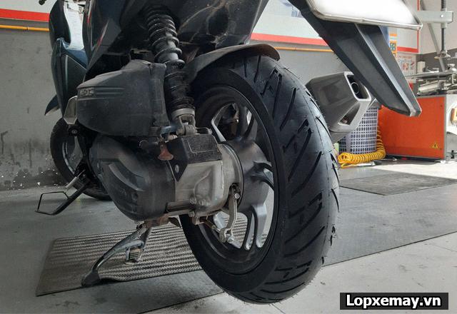 Lốp chống trượt cho xe vario đi trong mùa mưa an toàn - 6