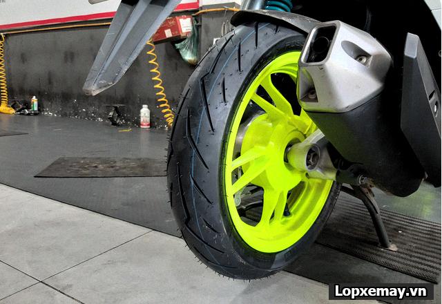 Lốp chống trượt cho xe vario đi trong mùa mưa an toàn - 4