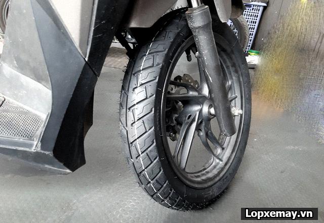 Lốp chống trượt cho xe vario đi trong mùa mưa an toàn - 3