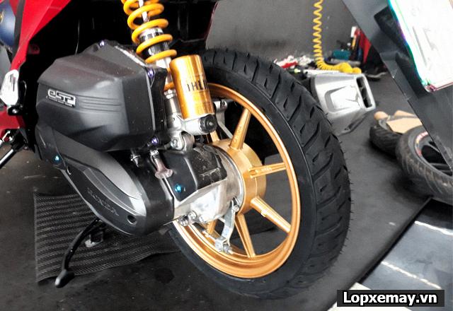 Lốp chống trượt cho xe vario đi trong mùa mưa an toàn - 2