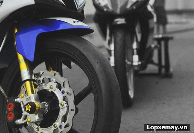 Vì sao lốp xe đua không được lắp trên xe chạy phố - 3