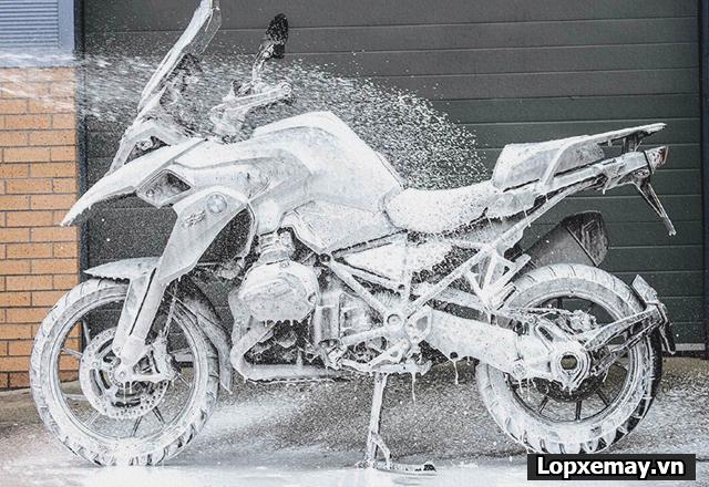 Kinh nghiệm tự bảo quản xe máy trong mùa dịch - 3