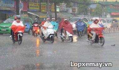 Thay lốp xe máy phù hợp cho mùa mưa